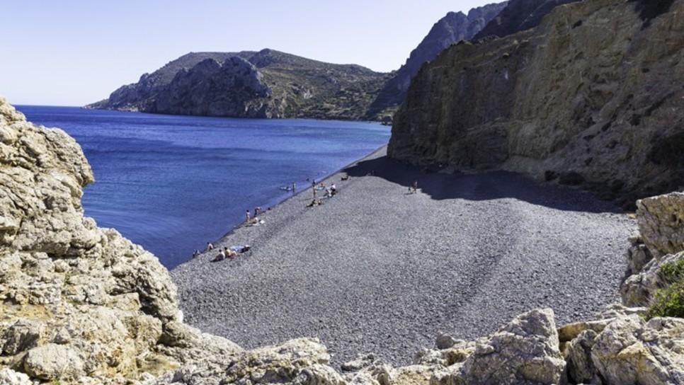 Η ελληνική παραλία που αποτελεί παγκόσμιο φαινόμενο χάρη σε ένα μοναδικό χαρακτηριστικό