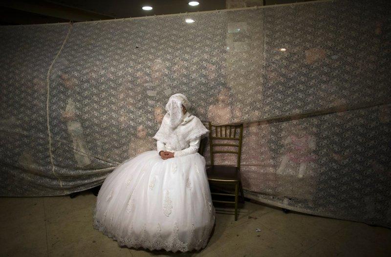 Ιαπωνικά ραντεβού και τις παραδόσεις του γάμου η Καμίλα Μπελ χρονολογείται