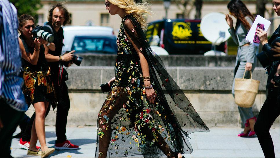 Aυτό είναι το ένα χρώμα που σε κάνει να μην βγαίνεις ωραία στις φωτογραφίες    Fashion   Woman TOC efe18fbfc76