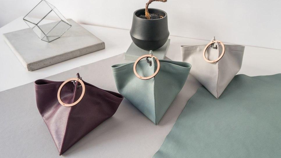 Οι ελληνικές τσάντες από δέρμα και φελλό