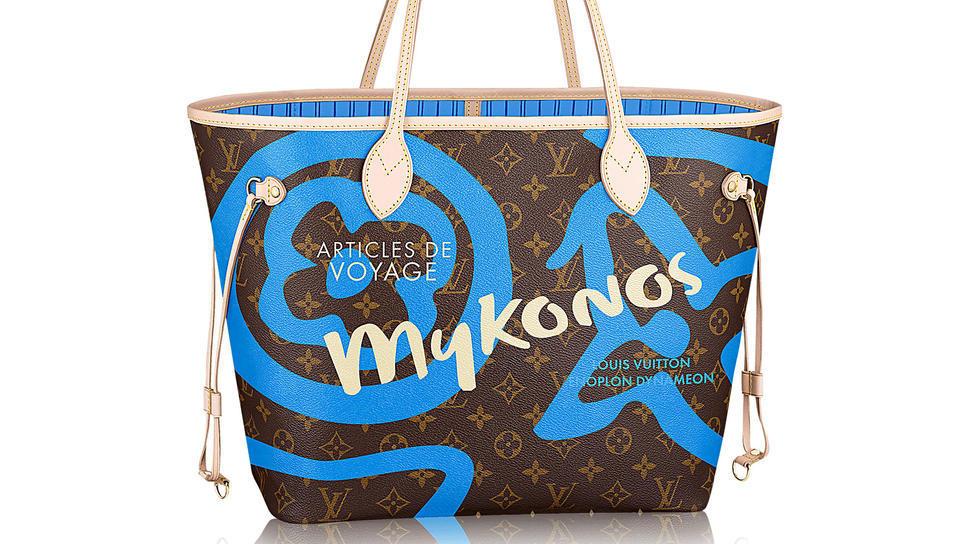 2196b35212 H Louis Vuitton συνδέει το όνομά της με την Μύκονο  Συλλεκτική τσάντα που  κάνει το γύρο του κόσμου   Fashion   Woman TOC