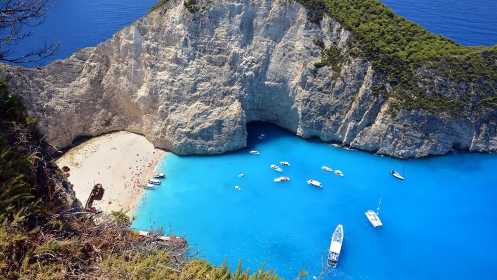 Η ιστορία πίσω από τη διασημότερη παραλία της Ελλάδας