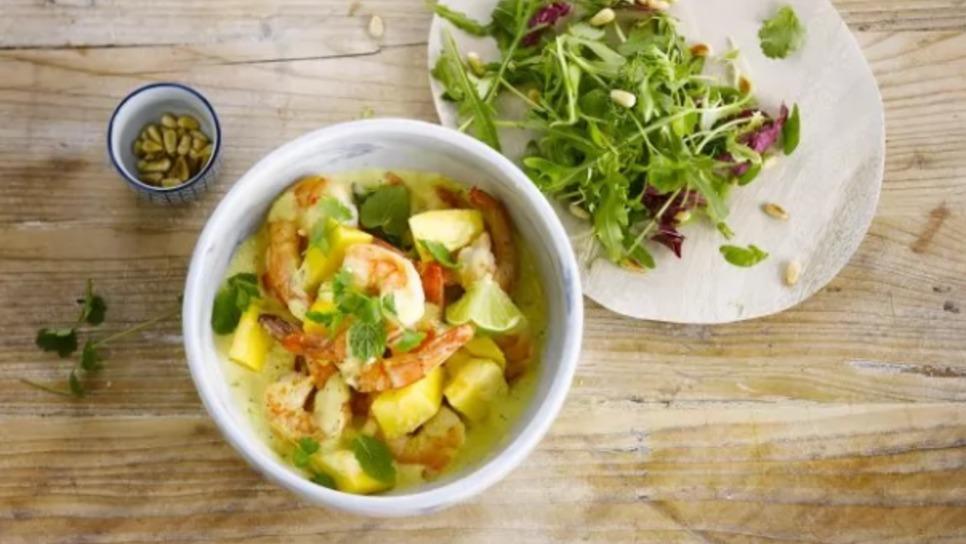 Γλυκιά και δροσιστική σαλάτα με γαρίδες