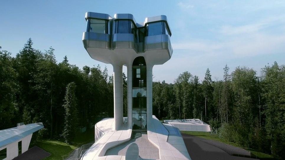 Το μοναδικό σπίτι που σχεδίασε είναι έτοιμο στη Μόσχα