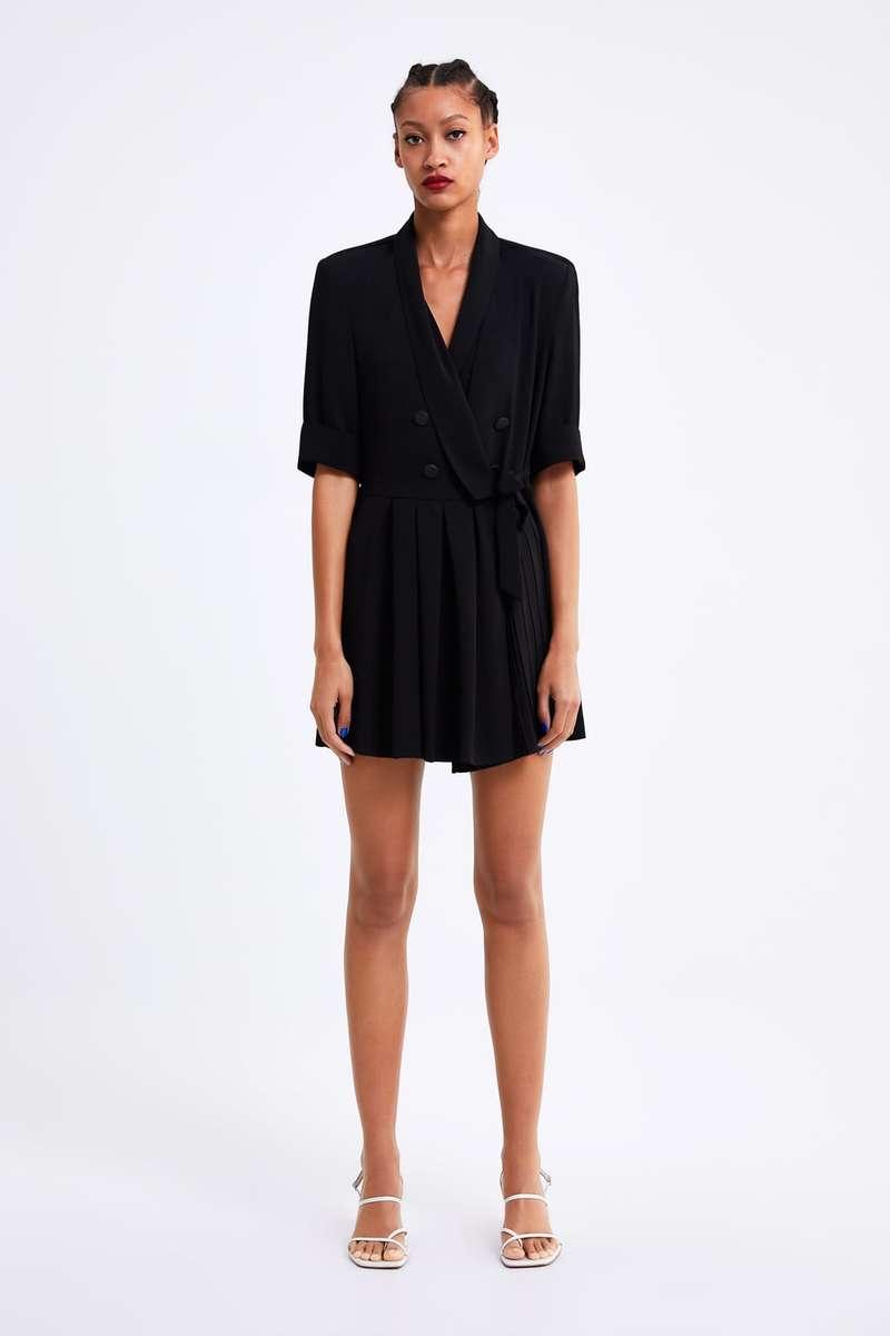 e774b55f8346 Δοκιμάσαμε όλα τα φορέματα Zara και καταλήξαμε  Μέσα σε αυτό θα ...