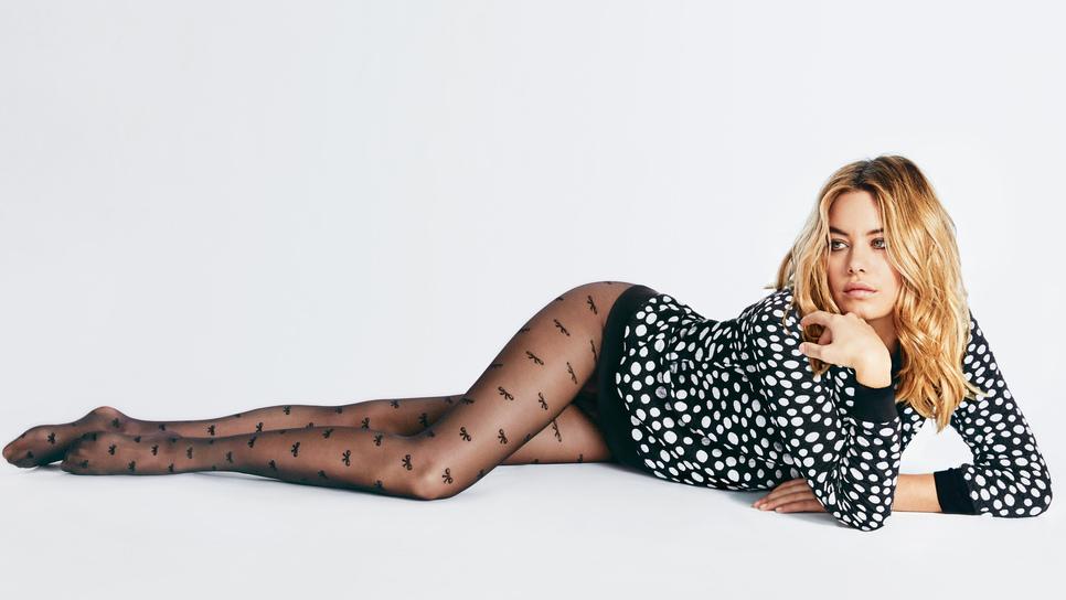 Τα νέα καλσόν Calzedonia σαγηνεύουν με στυλ σμιλεύοντας τις γυναικείες  καμπύλες   Fashion   Woman TOC d68d64f0369