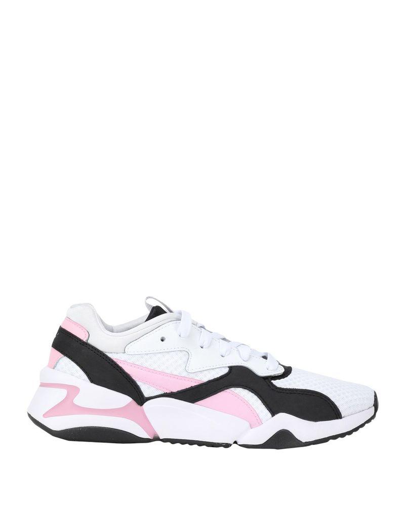 3b615c91fcd Τα «άνετα» παπούτσια που είναι ό,τι χειρότερο για τα πόδια. Ένας ...