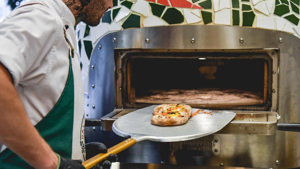 Η πιο λαχταριστή πίτσα που δεν είναι πίτσα