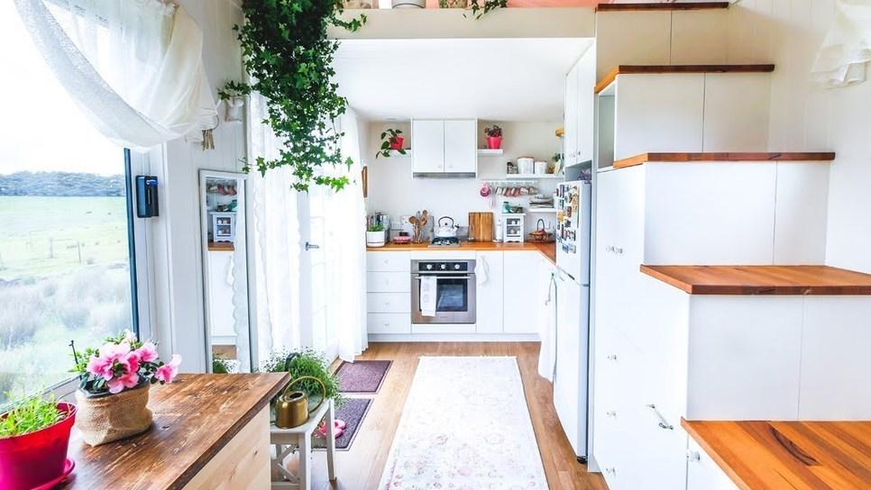Το μικροσκοπικό σπίτι που χωράει και walk-in-closet