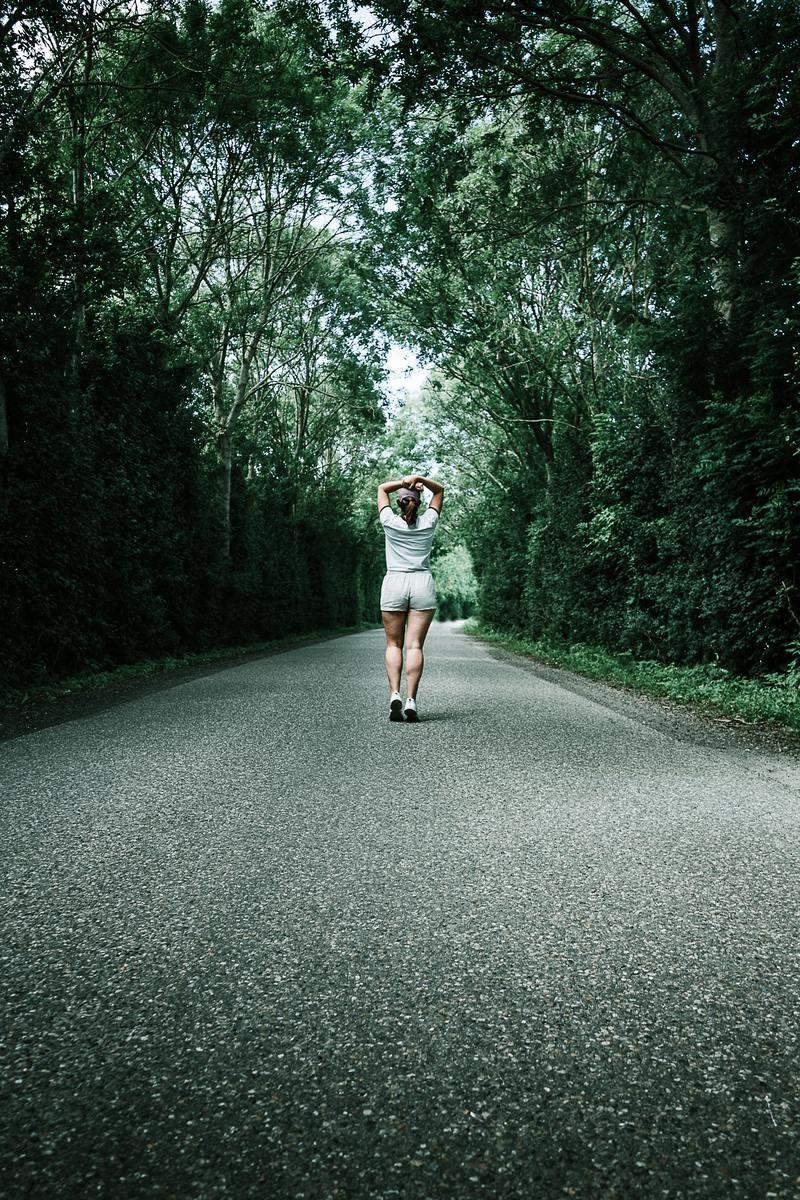 Τι λάθη κάνεις στο περπάτημα και δεν μπορείς να χάσεις βάρος- Σκέψου τα πριν την επόμενη πεζοπορία - εικόνα 1