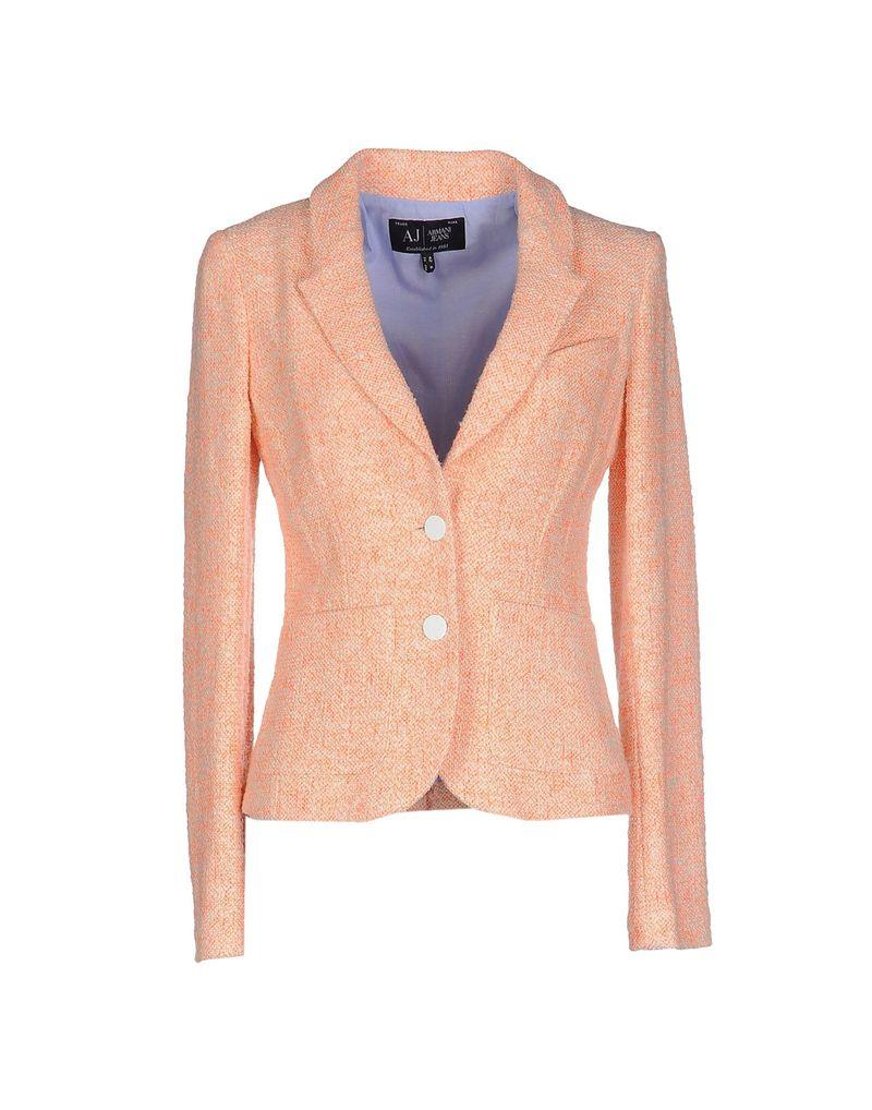 Στο Yoox.com ψωνίζεις ρούχα μεγάλων οίκων σε απίστευτα χαμηλές τιμές και με  αντικαταβολή 9e1d6cefed8