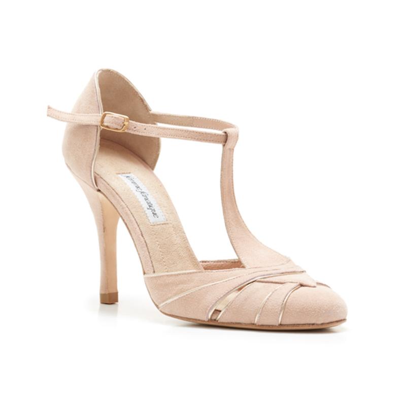 Με αυτά τα παπούτσια η νύφη 6ca5f6547d5