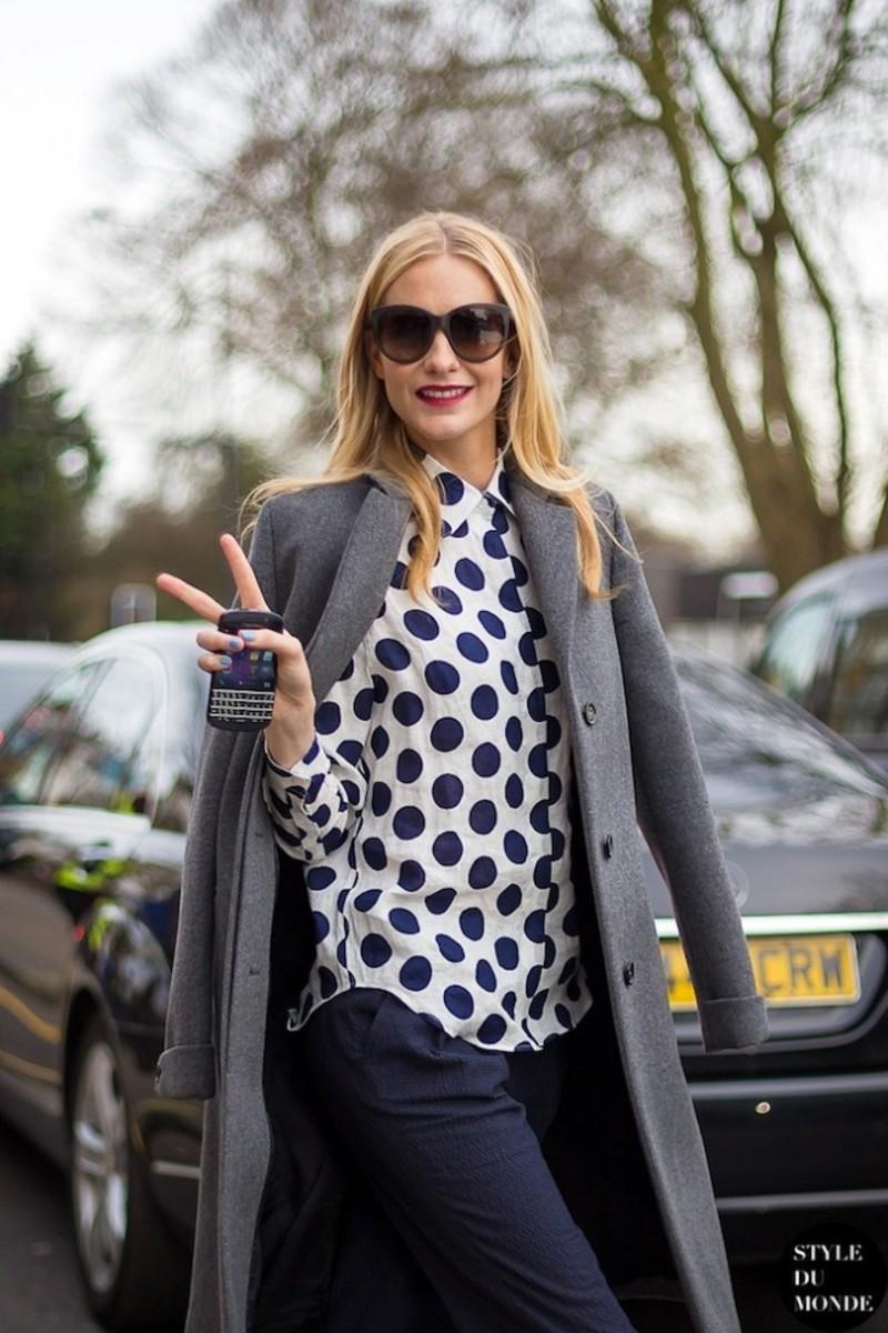 d441b80f8f39 5 τρόποι να φορέσεις σωστά τα polka dots + ρεπορτάζ αγοράς   Fashion ...