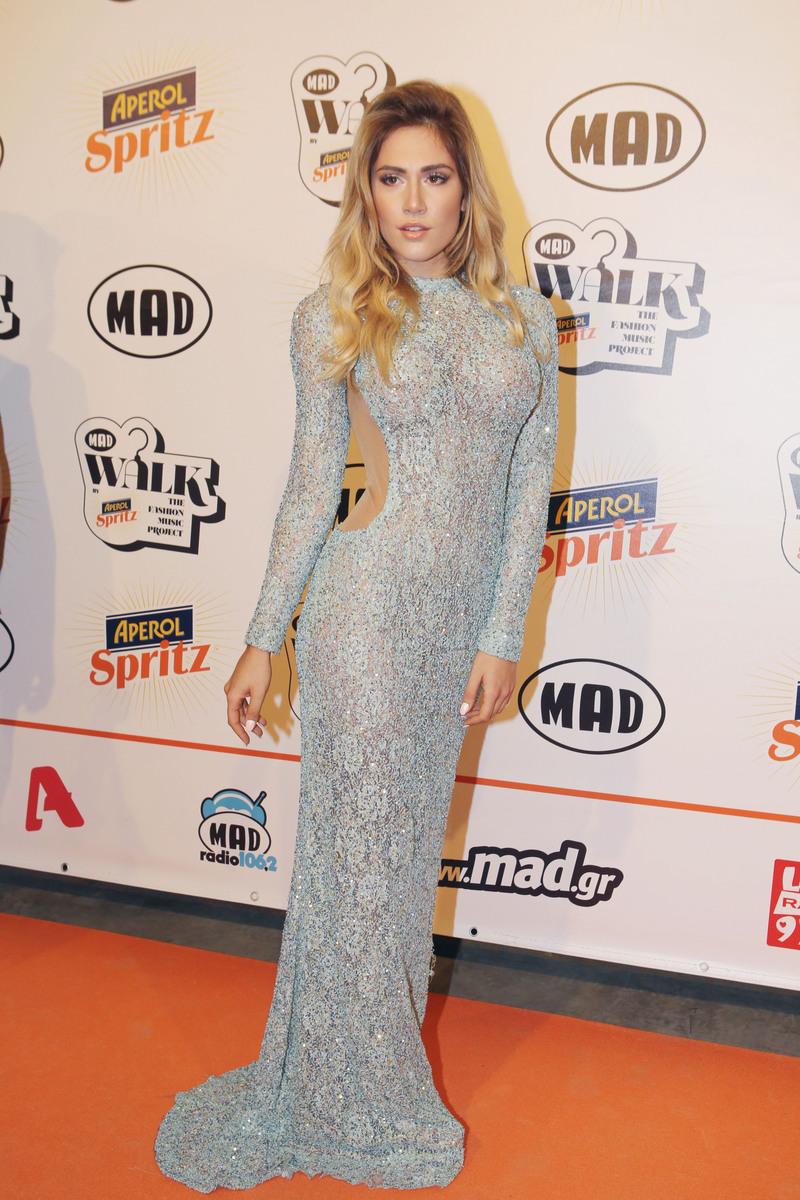 ffed516ae3b1 Τι φόρεσαν οι celebrities στο Madwalk 2016  Δείτε όλες τις εμφανίσεις από  το κόκκινο χαλί   Celebrities   Woman TOC