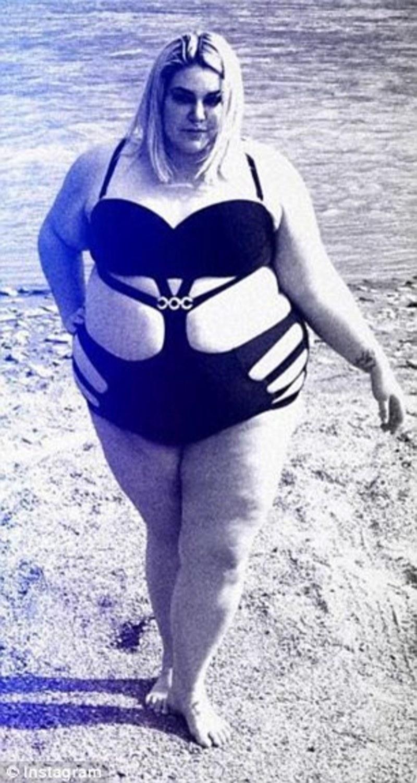 Yπέρβαρη γυναίκα ανάρτησε φωτογραφίες της με σέξι μαγιό και δέχτηκε ... a39ba14689f