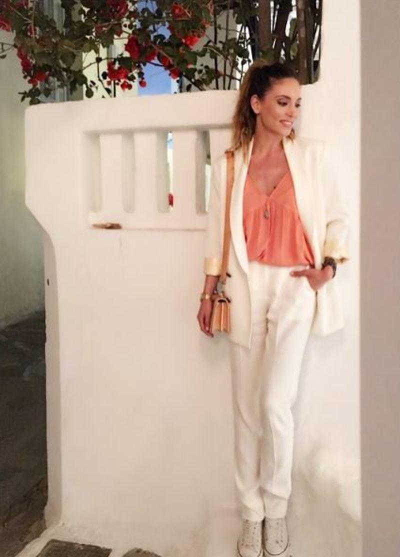 02923461537c Τα 5 πιο stylish ρούχα και αξεσουάρ που έχει φορέσει η Οικονομάκου ...