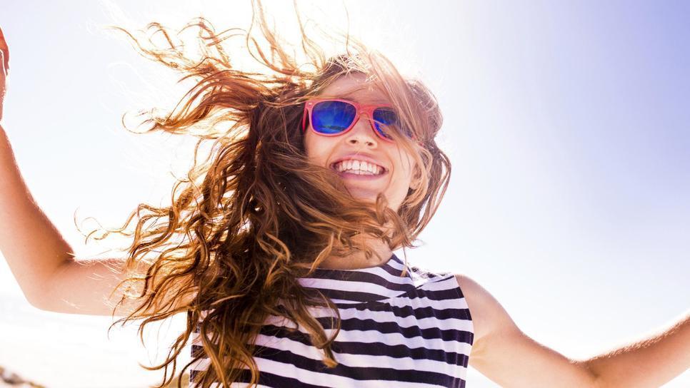 5+1 αντηλιακά μαλλιών για να τα διατηρήσεις τέλεια