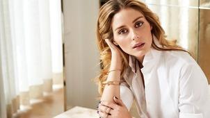 1fd8166496e9 8 στιλιστικά τερτίπια που αντιγράφουμε οι γυναίκες Η Ολίβια Παλέρμο ντύθηκε  με το πιο σικ σύνολο Zara ...