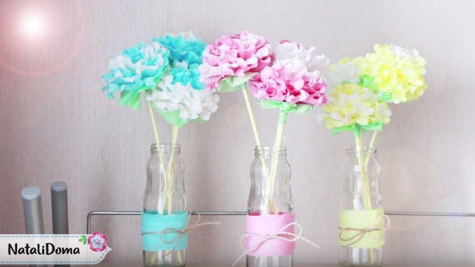 Ο εύκολος τρόπος να φτιάξετε λουλούδια από χαρτοπετσέτα