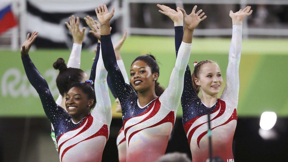 ce0263bb6cb 9 συναρπαστικά facts για τα λαμπερά κορμάκια της ομάδας γυμναστικής των ΗΠΑ  / Life / Woman TOC