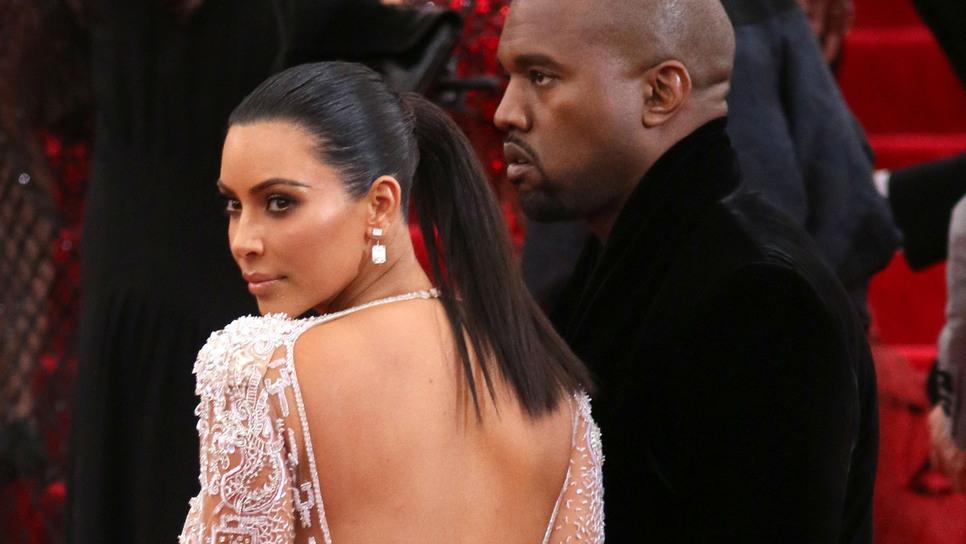 9708bef43f Πώς η υπερβολική παρουσία στα social media της Κιμ Καρντάσιαν γύρισε  εναντίον της   Celebrities   Woman TOC