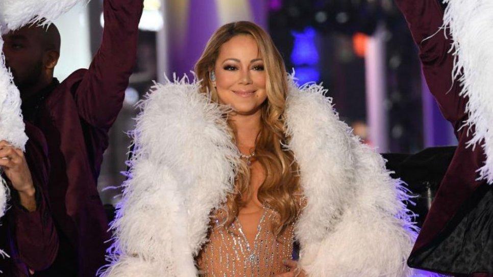 H προβαρισμένη απάντηση της Mariah Carey για το φιάσκο στην Times Square    Celebrities   Woman TOC a3bf826346f