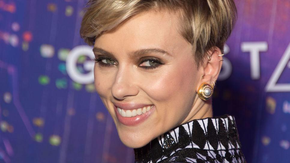 Τα σκουλαρίκια της Σκάρλετ Γιόχανσον είναι Zolotas